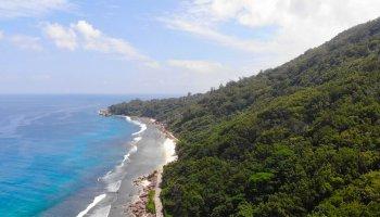 Anse Grosse Roche, La Digue island